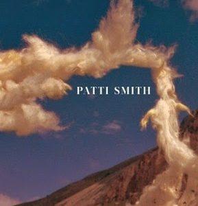 """""""Niebo, które w mgnieniu oka może stać się wszystkim"""". Patti Smith """"Obłokobujanie"""""""