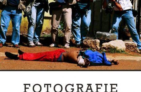 """Dyskomfort widza. """"Fotografie, które nie zmieniły świata"""" Krzysztof Miller"""
